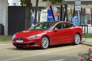 Tesla opladen Duitsland