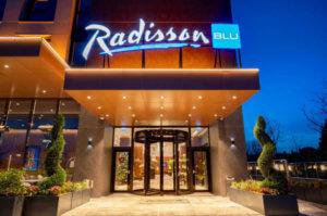 Radisson hotel met laadpaal