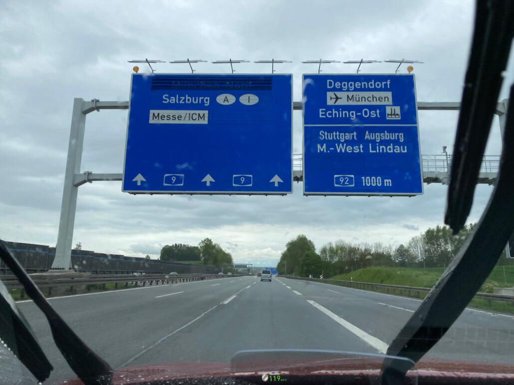 Elektrische auto naar Oostenrijk - München snelwegborden